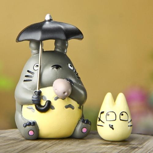 Фигурка Тоторо под зонтом с дудочкой